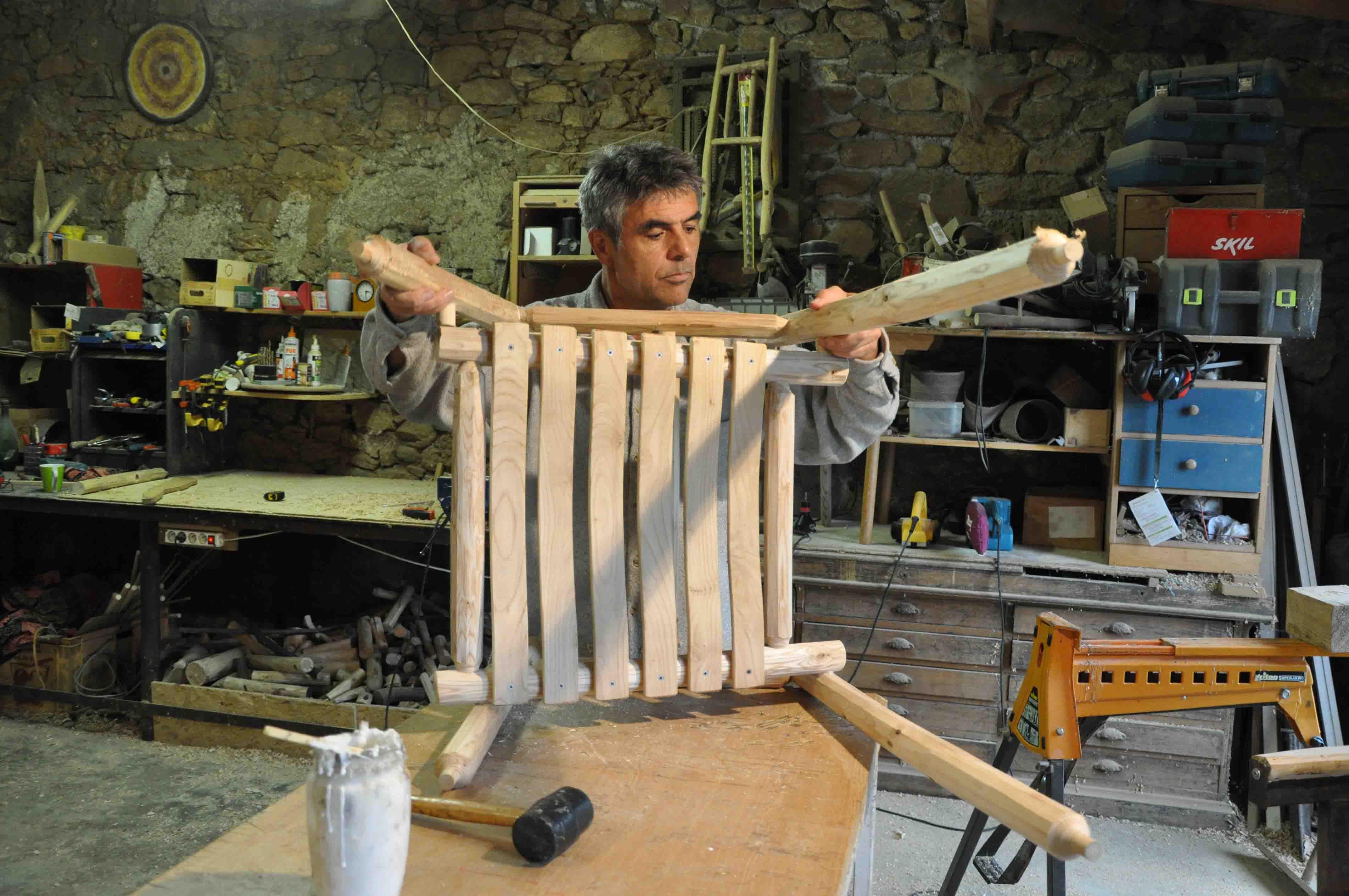 Stage Créez votre mobilier en bois de ch u00e2taignier Limousin Apprendre Formation chataignier  # Stage Menuiserie Bois