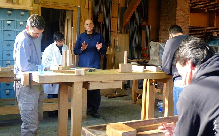 stage formation professionnelle restaurer les meubles en bois ile de france apprendre. Black Bedroom Furniture Sets. Home Design Ideas